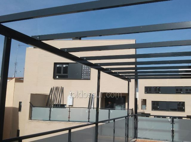 Barras de aluminio para toldos materiales de for Estructura de aluminio para toldo